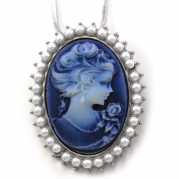 Dark Navy Blue Cameo Pendant Necklace Vintage Style Charm Antique Mother of Pearl Imitation Pearl Oval Ladies Women Fashion Jewelry